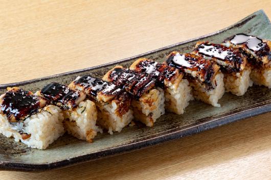 炙り穴子の押し寿司