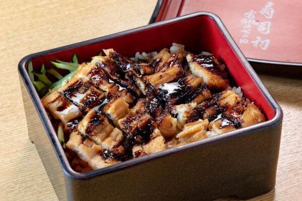 鮨かの名物「炙り上穴子丼」